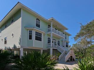 Luxury villa with pool and tennis court at Manasota Beach - Englewood vacation rentals