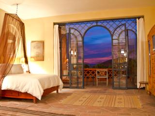 Casita Topaz - Moroccan inspired Centro location - San Miguel de Allende vacation rentals