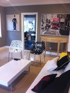 W. HOLLYWD AREA 2 BDRM CHIC MODERN+ 4BEDS+A/C+WiFi - Los Angeles vacation rentals