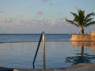 Oceanfront Penthouse *Jan/15 up to $400 off!* - Cozumel vacation rentals
