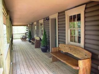 Crest Mountain Moonlight Cabin - Asheville vacation rentals