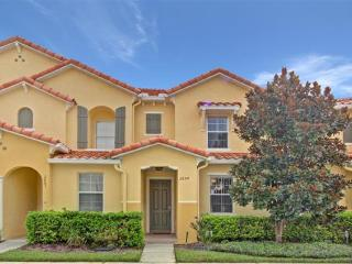 Fantastic location, 3 Bedroom Townhouse in Gated Resort - Kissimmee vacation rentals