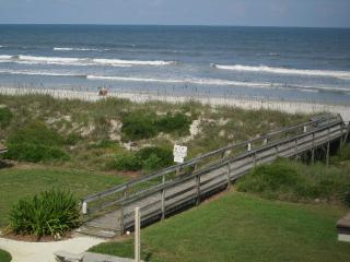 Beachfront Complex:Townhome-Gorgeous Atlantic/IntraCoastal Waterway Views - Crescent Beach vacation rentals