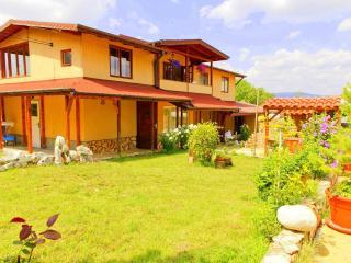 Villa Sofia, 15min Answr! - Sofia vacation rentals