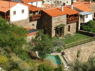 Bairro do Casal - Turismo d' Aldeia (Casa da Belmira) - Beiras vacation rentals