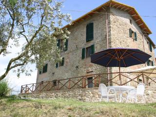 Villa Bastiola - Apartment Quercia (self catering) - Calzolaro vacation rentals