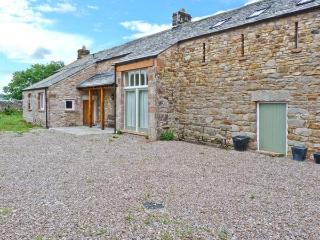 TOWN HEAD, detached, woodburner, open fire, off road parking, garden, in Appleby-in-Westmorland, Ref 23918 - Helton vacation rentals