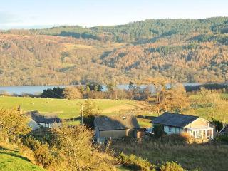 UNDERWOOD, all ground floor, en-suites, woodburner, private hot tub, near Coniston, Ref 27287 - Coniston vacation rentals