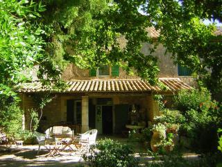 Provence Alpilles, Pet-Friendly B&B Guest House - Maussane-les-Alpilles vacation rentals
