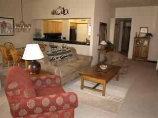Beautiful, Spacious and Updated 2-bedroom condo - Keystone vacation rentals