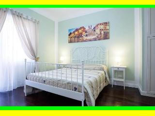 Vatican DELICIOUS Apartment sleeps 4 - Rome vacation rentals