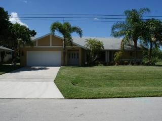 Beautiful 3 Bedroom Pool Home on Canal with Lake Access - North Fort Myers vacation rentals