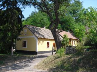 Vorosmarty house romantic cottage near to Balaton - Badacsonytomaj vacation rentals