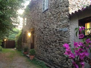 Casa de piedra en Bergondo, Sada- La Coruña - Spain vacation rentals