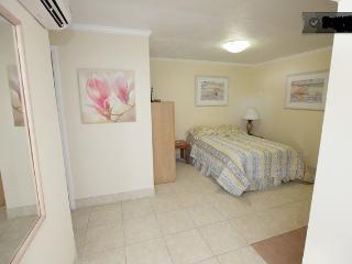 (Stella) Cozy Loft 1/1 Dania Beach - Dania Beach vacation rentals