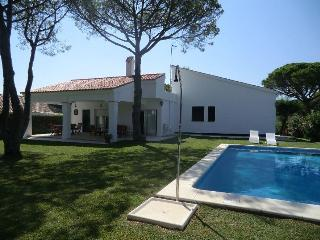 Villa with pool,10 min walk from Beatiful beaches - Aroche vacation rentals