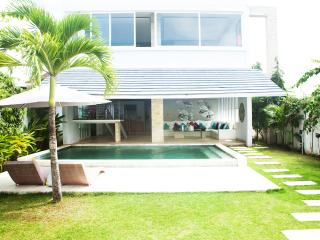 Valla Lotus Canggu Echo Beach - Canggu vacation rentals