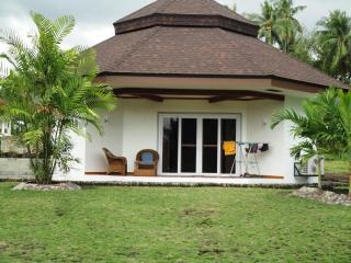 stunning1 bedroom beach front house in Dauin, negros, Philppines for rent - Dauin vacation rentals