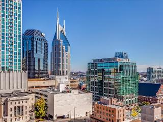 Stay Alfred 100 Walk Score Unbeatable Location CM2 - Nashville vacation rentals