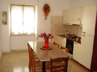 Pleasant apartment in Rome with parking - Castel San Pietro Romano vacation rentals