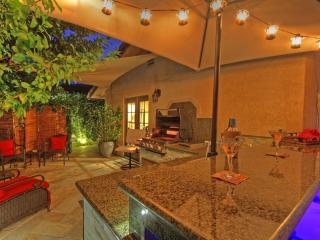 Gorgeous Mini Resort Outdoor Bar/Grill/Spa/ Fun! - California Desert vacation rentals