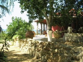 Bioporos rural tourism/Traditional house #2 - Chlomos vacation rentals