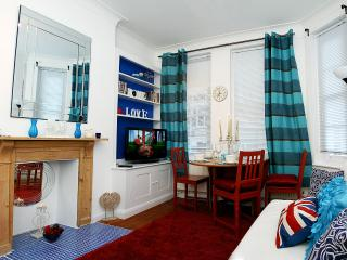Charming Kensington Apartment  WKM - London vacation rentals