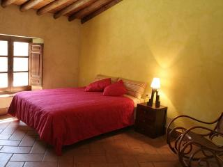 Andalucia Cottages, the land of the Iberian Ham - Galaroza vacation rentals
