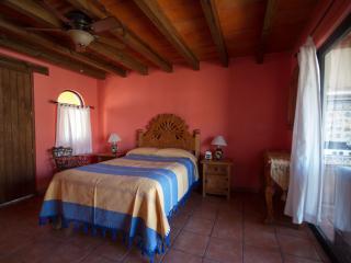 FANTASTIC NEW STUDIO! - Guanajuato vacation rentals