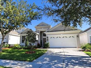 AT THE PALMS: 4 Bedroom Beautifully Furnished Home in Gated Resort Community - Davenport vacation rentals