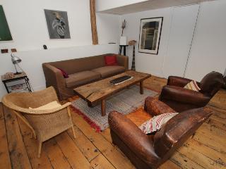 Elegant 2 bedrooms loft in Canal Saint Martin - Whiteparish vacation rentals