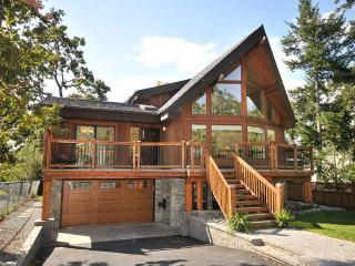 Gorgeous 4 Bedroom Sidney Area Lindal Home Steps To The Beach - Cowichan Bay vacation rentals