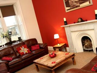 Luxury Apartment in Central Edinburgh - Edinburgh vacation rentals