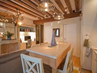 Marais, Paris - Newly Renovated Luxury Apartment - Boothbay Harbor vacation rentals