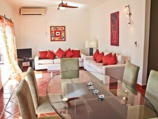 BUEN AIRE; 2 bedroom condo with 5th Avenue views! - Playa del Carmen vacation rentals