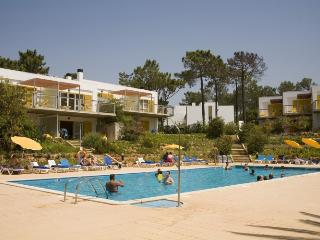 STUDIO WITH GARDEN VIEW IN VILAMOURA 15MINUTES WALKING FROM MARINA AND BEACH REF.125841 - Faro vacation rentals