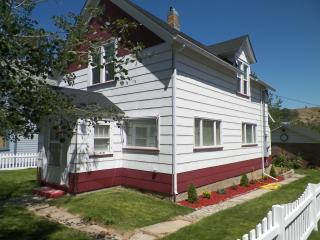 Downtown Haven on Cloud 10 in Lively Red Lodge - Red Lodge vacation rentals