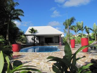 Grande villa , 8/10 pers, piscine, A/C, WIFI, TV - Deshaies vacation rentals