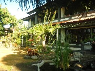 Kubu Kusambi. Simple home stay w/ harbor view - Bali vacation rentals