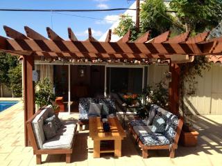 Cozy Guest Studio Unit in Backyard - Los Angeles vacation rentals
