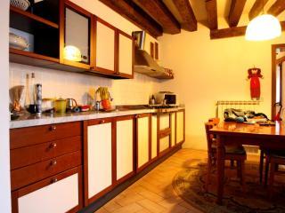 San Polo Apartment for 4 people - Veneto - Venice vacation rentals