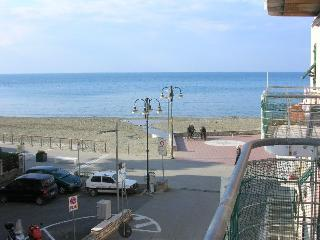 1bedroom Apartment 20 mt. from the beach with sea - Levanto vacation rentals