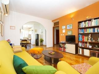 Spacious apartment Marin - Jelsa vacation rentals