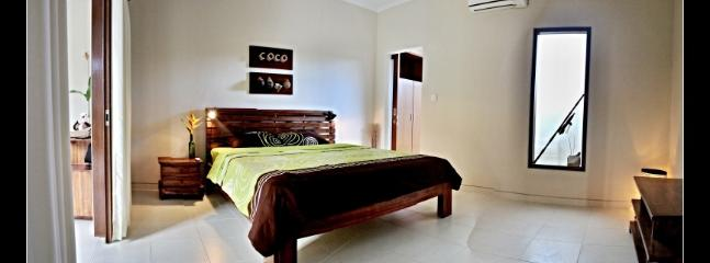 teak furniture and high quality mattrace for your comfort sleeping - COCO bedroom in Chilli Bali Villa - Mengwi - rentals