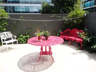 St Kilda Rd- great location quiet courtyard, trams - Melbourne vacation rentals