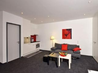 Vacation Apartment in Aalen - 344 sqft, central, modern, clean (# 4458) - Aalen vacation rentals