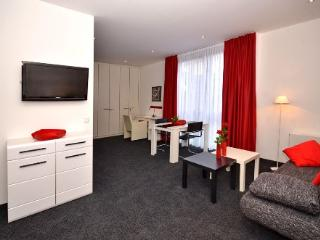 Vacation Apartment in Aalen - 452 sqft, central, modern, clean (# 4460) - Lowenstein vacation rentals