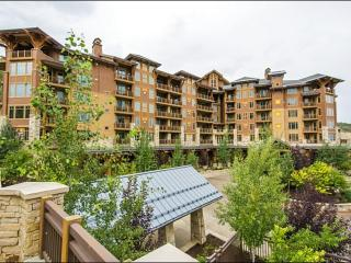 Luxurious Condo with Panoramic Views - Ideal for Couples Traveling Together (25051) - Park City vacation rentals