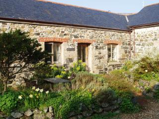 4-bed barn on edge of village - 10 minutes to sea - Praa Sands vacation rentals
