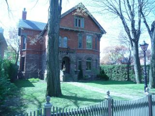 Victorian Gem in Midtown Toronto - Toronto vacation rentals